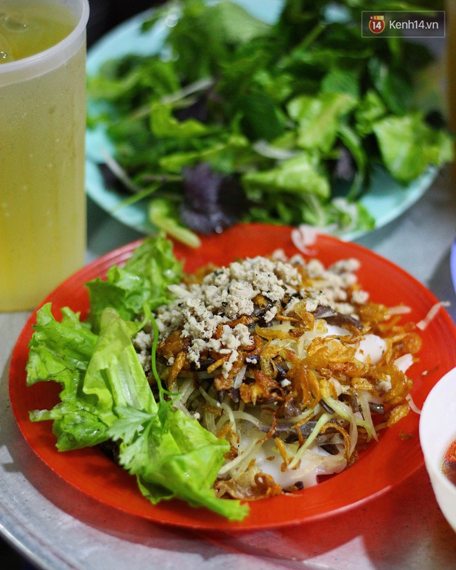 Món ăn mà ở Hà Nội chỉ có một hàng duy nhất và chỉ bán đúng 3 tối cuối tuần, còn không tranh thủ ngay thôi! 8