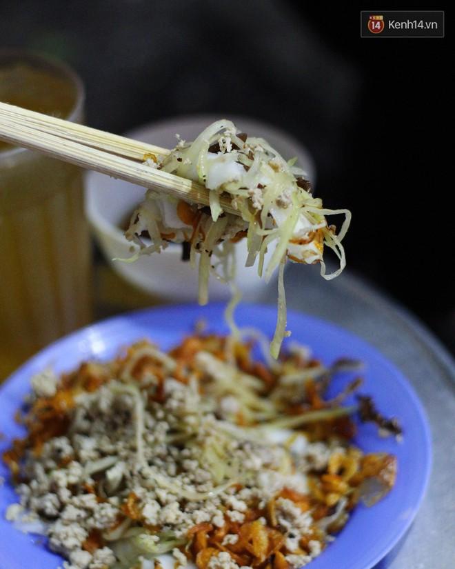 Món ăn mà ở Hà Nội chỉ có một hàng duy nhất và chỉ bán đúng 3 tối cuối tuần, còn không tranh thủ ngay thôi! 7