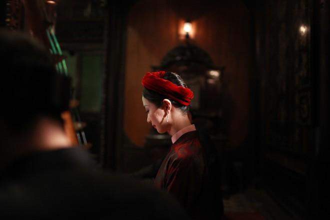 Jun Vũ tập hát ả đào, thoải mái đóng cảnh nóng trong Người Bất Tử - Ảnh 14.