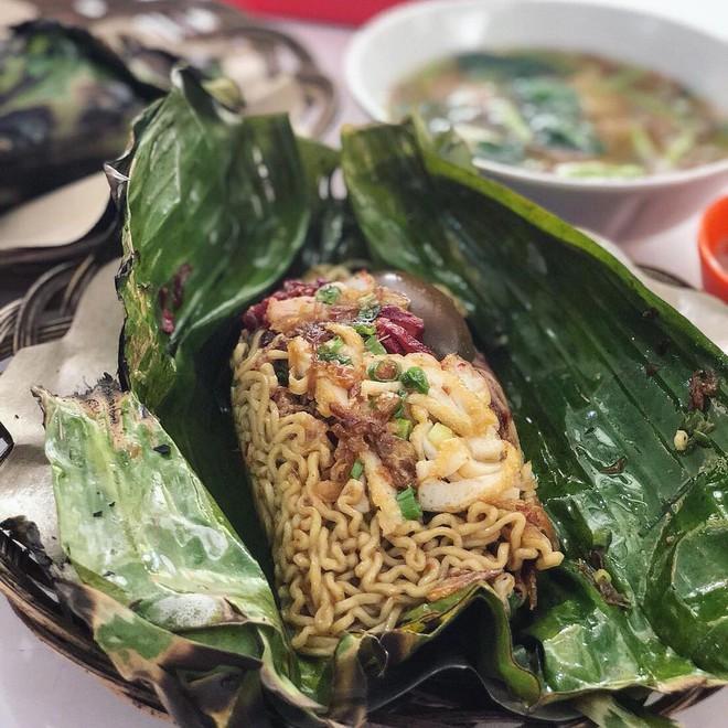 Ở Indonesia có một nhà hàng với kiểu thưởng mì độc đáo chưa từng thấy, ăn xong đảm bảo nhớ mãi 1