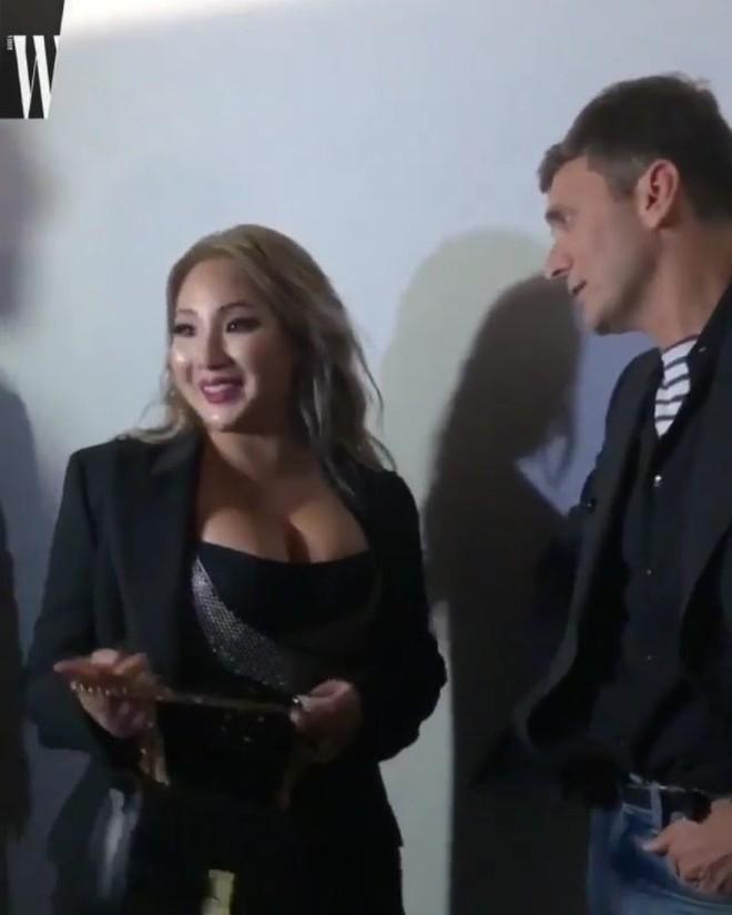 Nhìn thấy hình ảnh mới nhất của CL tại show Celine, bạn sẽ thấy biết bao tin đồn giảm cân thành công chỉ là dối trá 2