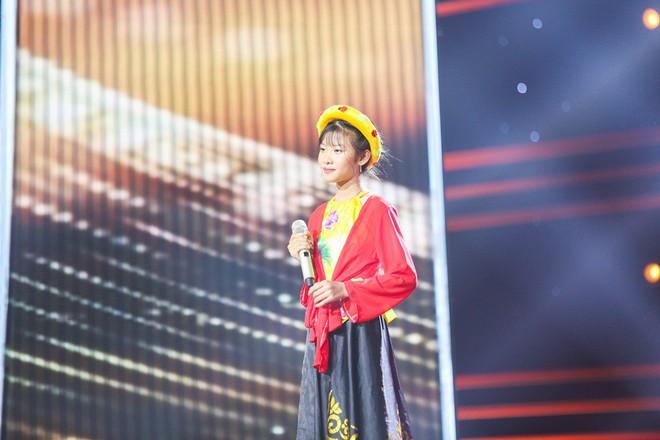 Giọng hát Việt nhí: Cậu bé 11 tuổi thần tượng cố nghệ sĩ Trần Lập khiến Bảo Anh thổn thức - Ảnh 8.
