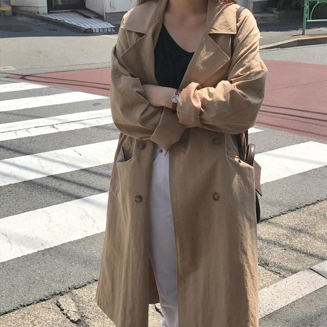 """4 công thức Hàn Quốc trendy nhất đợt này, mặc đi làm vừa xinh vừa hợp chụp ảnh """"sống ảo"""" - Ảnh 1."""