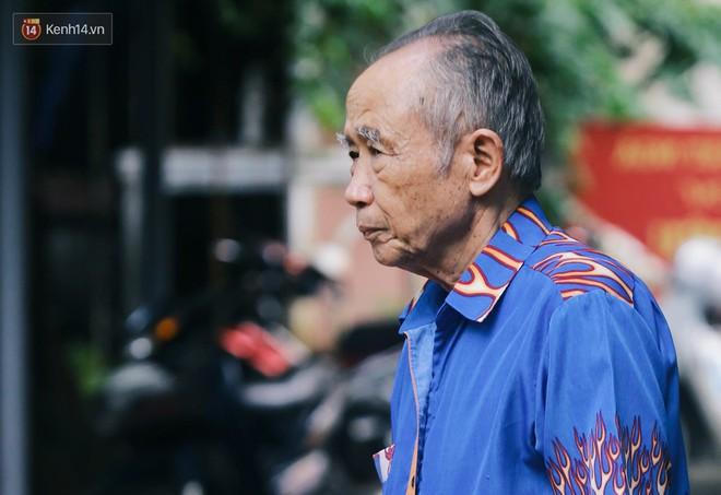 Gặp người đàn ông xây resort chó mèo kỳ lạ nhất Hà Nội: Tổ chức đám tang và thờ cúng cho hàng trăm mộ phần thú cưng xấu số - Ảnh 15.