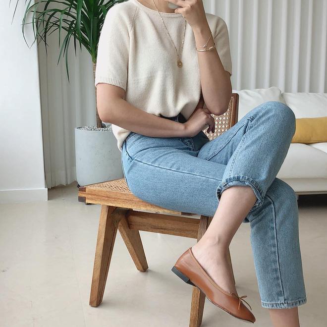 """4 công thức Hàn Quốc trendy nhất đợt này, mặc đi làm vừa xinh vừa hợp chụp ảnh """"sống ảo"""" - Ảnh 2."""