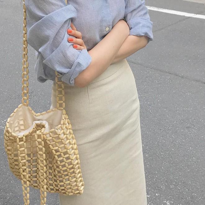 """4 công thức Hàn Quốc trendy nhất đợt này, mặc đi làm vừa xinh vừa hợp chụp ảnh """"sống ảo"""" - Ảnh 4."""