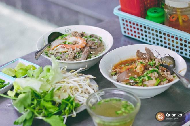 Hủ tiếu cua, hủ tiếu pate - Sài Gòn vẫn còn nhiều loại hủ tiếu trộn đặc sắc rất đáng để thử - Ảnh 3.