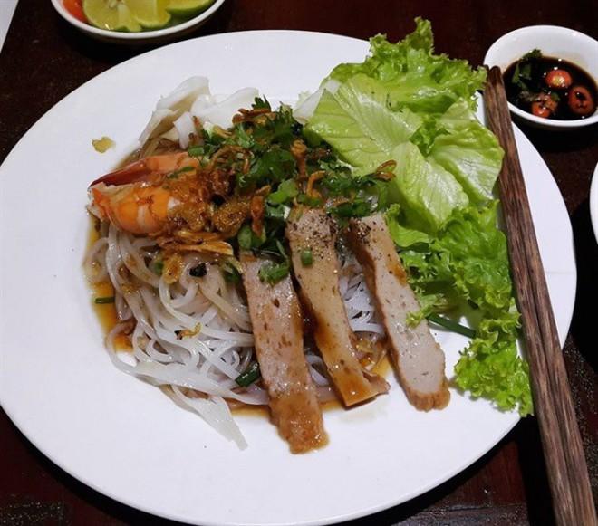 Hủ tiếu cua, hủ tiếu pate - Sài Gòn vẫn còn nhiều loại hủ tiếu trộn đặc sắc rất đáng để thử - Ảnh 5.