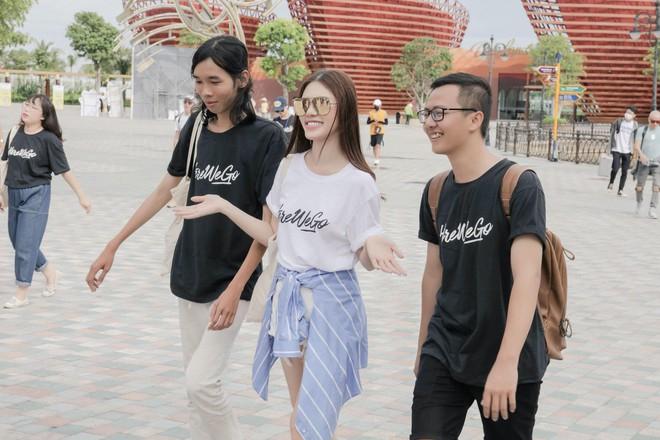 Hoa Hậu Rich Kids Jolie Nguyễn đi du lịch: không còn sang chảnh, chịu chơi và chịu lầy hơn để sống đúng với thanh xuân của mình - Ảnh 3.
