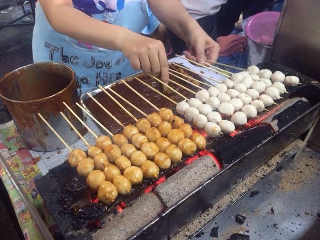 Mách bạn 10 điểm ăn vặt nhìn là thèm không thể bỏ qua khi đến Hua Hin (Thái Lan) - Ảnh 17.