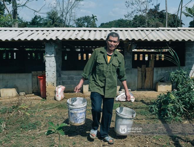 Gia đình thủ môn Bùi Tiến Dũng là thuần nông, có nuôi heo và trâu
