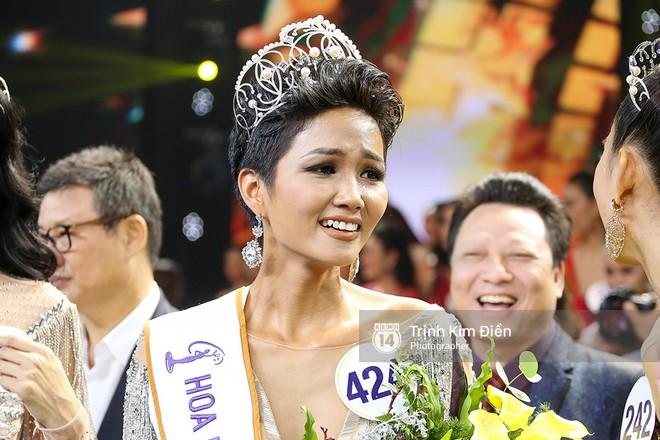 Tân Hoa hậu Hoàn vũ HHen Niê nói về tin đồn bố mẹ từng ép mình nghỉ học để lấy chồng! - Ảnh 4.