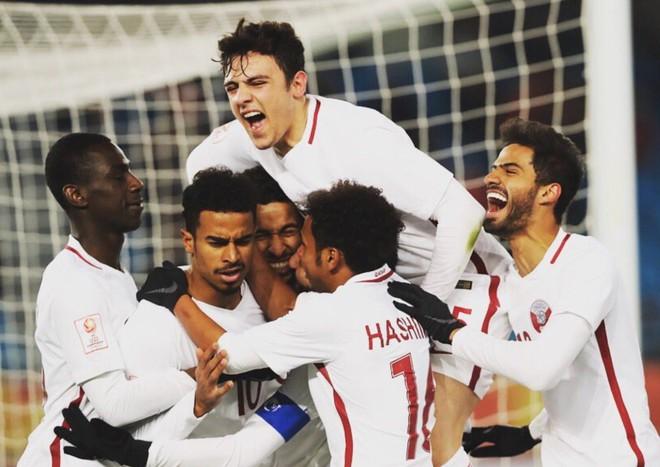 Hotboy của U23 Qatar: Cứ lên hình là chị em lại phải ôm tim vì quá đẹp - Ảnh 1.