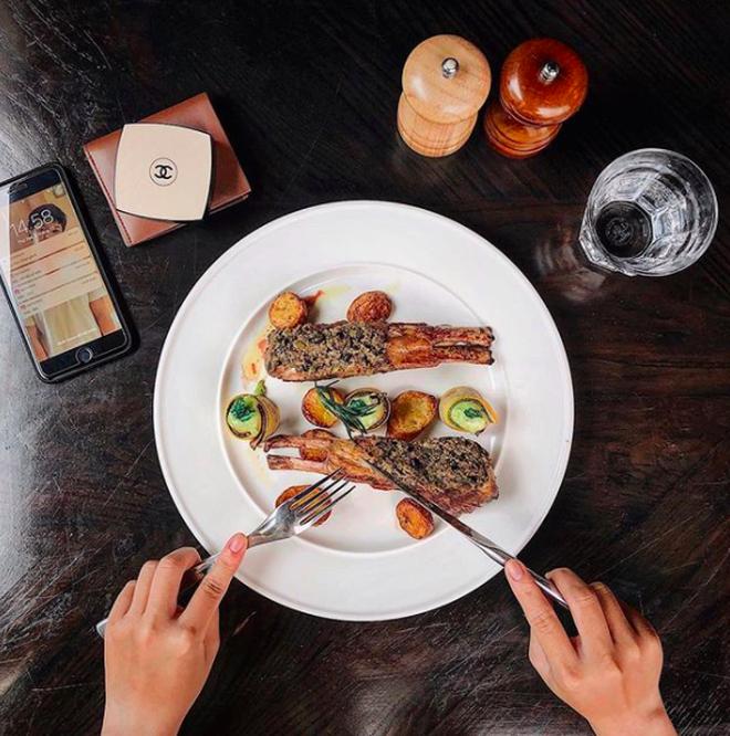 4 hotgirl thuộc hội ăn cả thế giới, bước vào Instagram mà cứ ngỡ đang xem web ẩm thực - Ảnh 1.