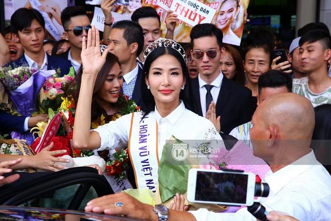 Top 3 Hoa hậu Hoàn vũ Việt Nam rạng rỡ xuất hiện, gây náo loạn sân bay Tân Sơn Nhất - Ảnh 11.