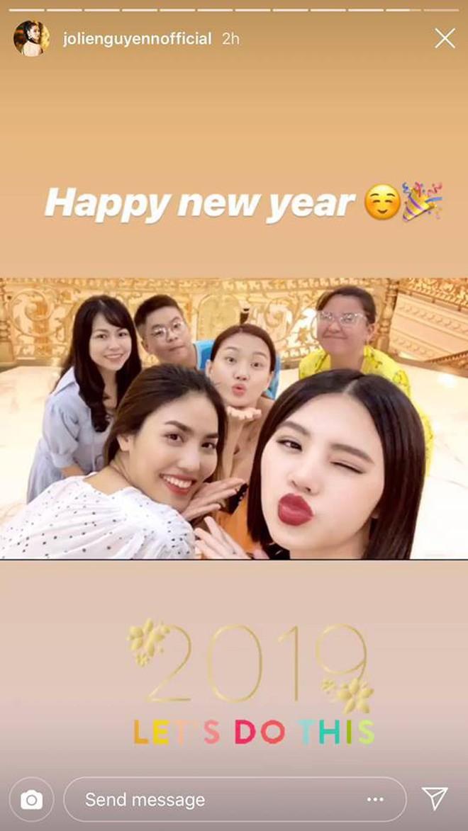 Tiệc chào năm mới của Rich Kid Việt: Dẫn đầu về độ sang chảnh vẫn là hội em chồng Hà Tăng! - Ảnh 14.