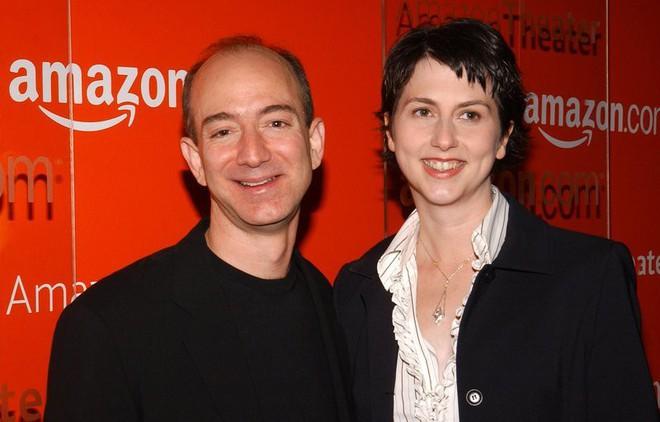 Lương duyên 25 năm của ông chủ Amazon và vợ: Chưa kịp yêu đã cưới từ thuở cơ hàn, tan vỡ trên đỉnh cao giàu sang phú quý - Ảnh 8.