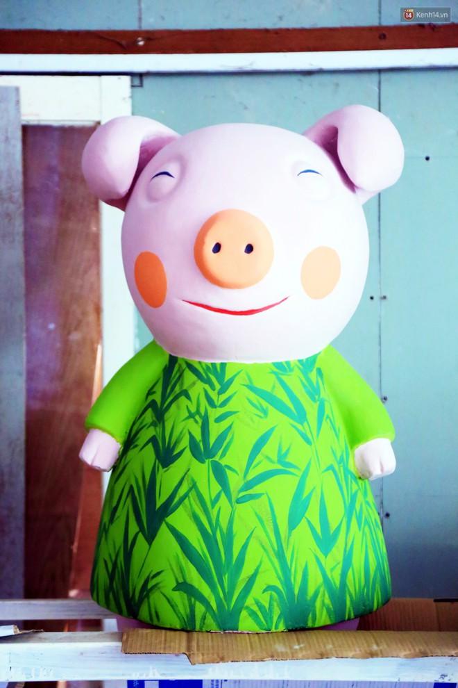 """Ngắm 50 chú heo """"mập"""" đáng yêu sắp được ra đường hoa Nguyễn Huệ đón Tết Kỷ Hợi 2019 - Ảnh 11."""