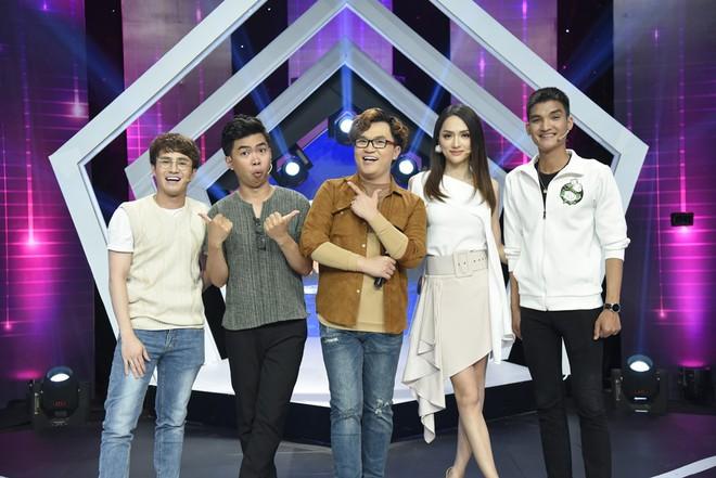 Đoán tuổi như ý: Suy luận chính xác về lịch sử, Hương Giang lại giành chiến thắng vẻ vang trước Huỳnh Lập - Ảnh 1.