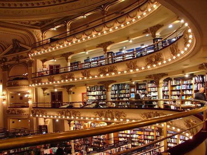 Ghé thăm hiệu sách cổ điển tráng lệ nhất thế giới giữa thời đại số - Ảnh 1.