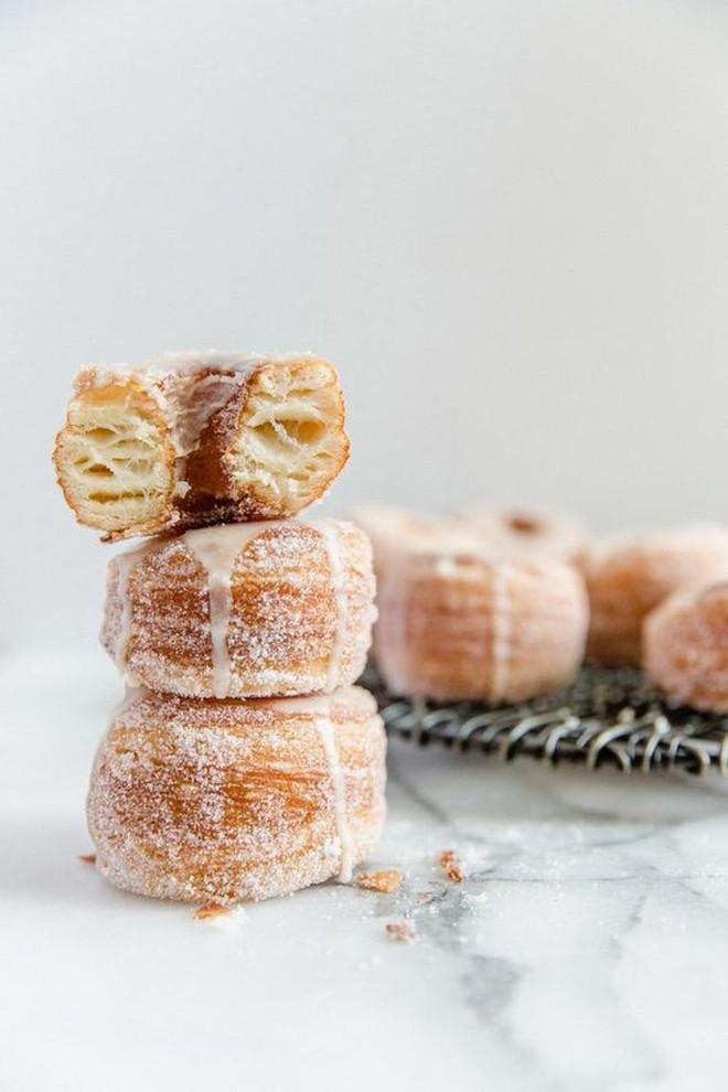"""Muôn hình vạn trạng những loại donut ngon """"lịm tim"""" khiến người Mỹ tiêu thụ hơn 10 tỷ chiếc mỗi năm - Ảnh 5."""