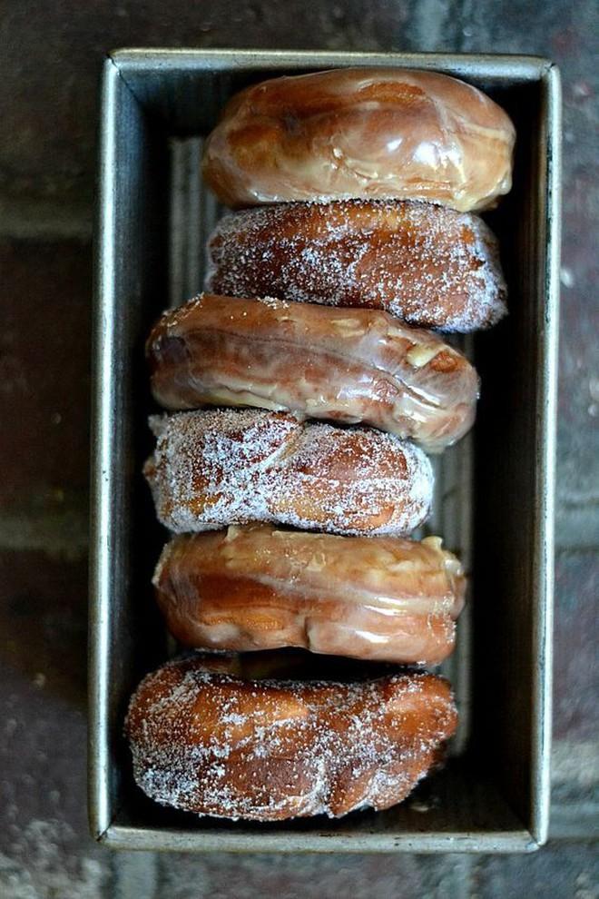 """Muôn hình vạn trạng những loại donut ngon """"lịm tim"""" khiến người Mỹ tiêu thụ hơn 10 tỷ chiếc mỗi năm - Ảnh 2."""