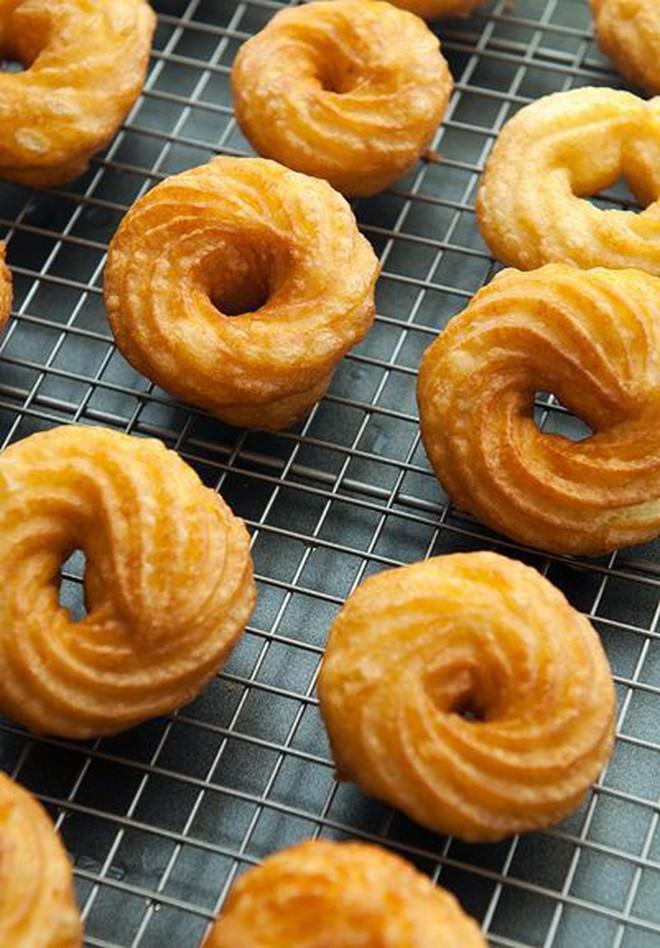 """Muôn hình vạn trạng những loại donut ngon """"lịm tim"""" khiến người Mỹ tiêu thụ hơn 10 tỷ chiếc mỗi năm - Ảnh 3."""