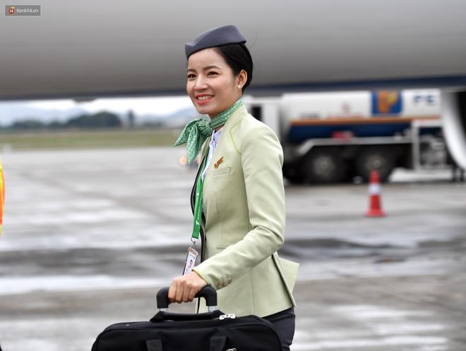 Phải công nhận, đồng phục của tiếp viên Bamboo Airways không chỉ lịch sự mà còn rất đẹp và trendy - Ảnh 2.