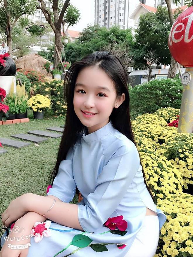 """Tiểu mỹ nhân đẹp thần thánh chẳng kém Tiểu Vy, Đỗ Mỹ Linh khiến dân tình phải gật gù: """"Hoa hậu tương lai đây rồi"""" - Ảnh 8."""