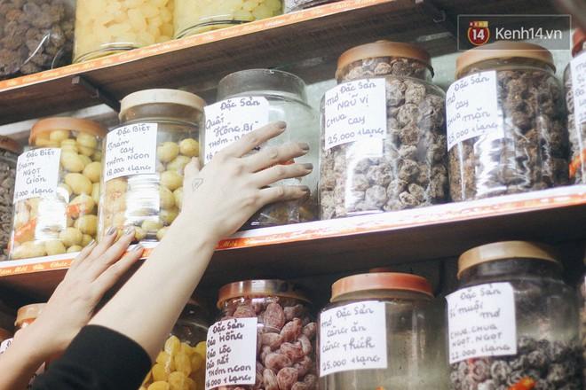 Tiệm ô mai Hạnh Phúc: địa chỉ 30 năm bán gần 100 loại ô mai với những cái tên