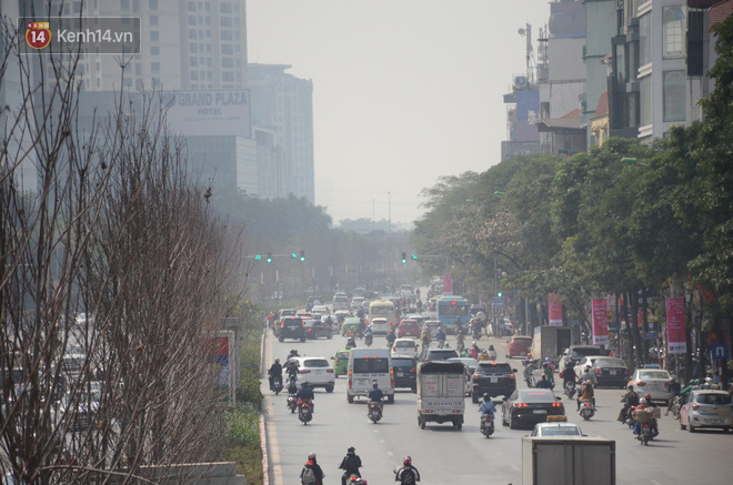 Không khí thành phố Hà Nội những ngày giáp Tết chạm mức nguy hại, chuyên gia lên tiếng lý giải nguyên nhân - Ảnh 4.