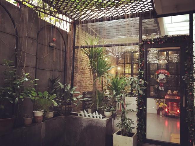 Thêm những quán cà phê Sài Gòn nép mình trong hẻm, hơi khó tìm nhưng đáng để đi thử lắm đấy - Ảnh 4.