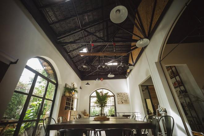 Thêm những quán cà phê Sài Gòn nép mình trong hẻm, hơi khó tìm nhưng đáng để đi thử lắm đấy - Ảnh 3.