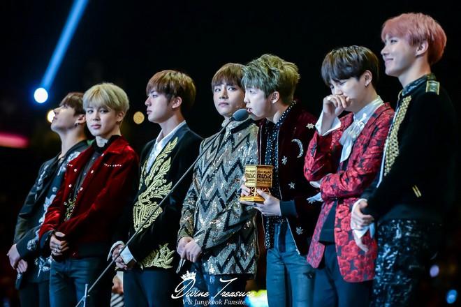 BTS thay đổi ngoạn mục như thế nào sau 6 năm, câu trả lời nằm ở câu chuyện quá khứ của thành viên này và G-Dragon! - Ảnh 7.