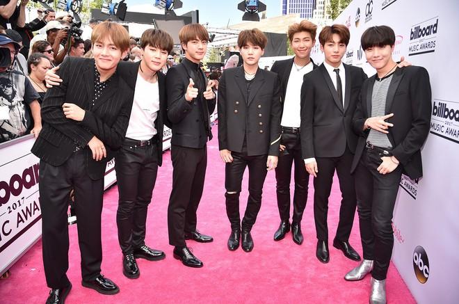 BTS thay đổi ngoạn mục như thế nào sau 6 năm, câu trả lời nằm ở câu chuyện quá khứ của thành viên này và G-Dragon! - Ảnh 6.