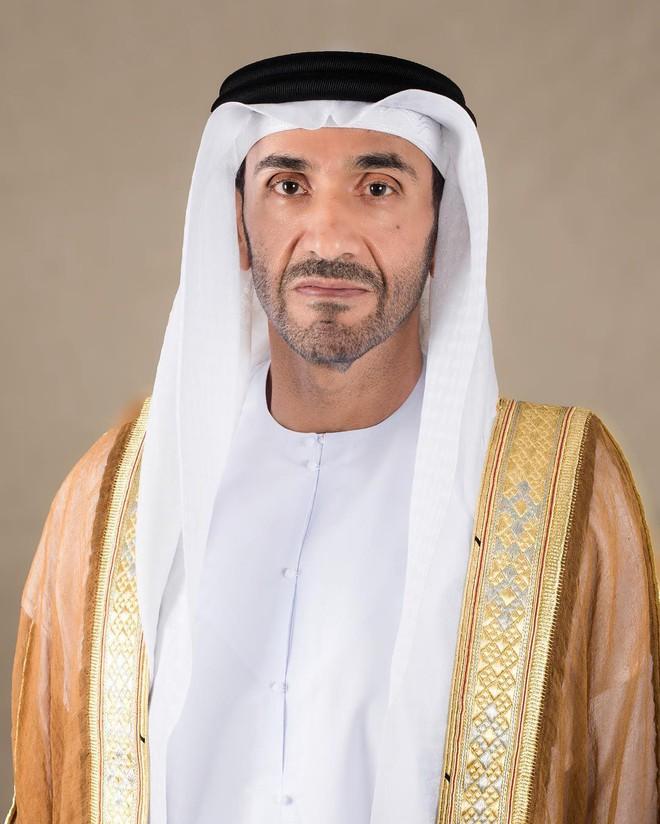 Hoàng tử UAE mua sạch vé, không cho dân Qatar vào xem bán kết Asian Cup quyền lực đến mức nào? - Ảnh 2.