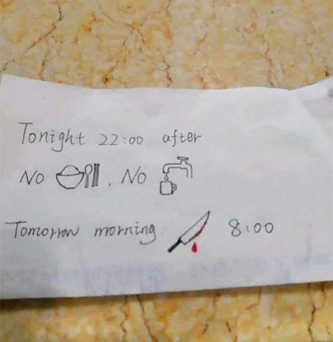 Không biết tiếng Anh, cô y tá Trung Quốc vẽ thư gửi bệnh nhân nước ngoài nhưng ai xem cũng dựng tóc gáy - Ảnh 1.