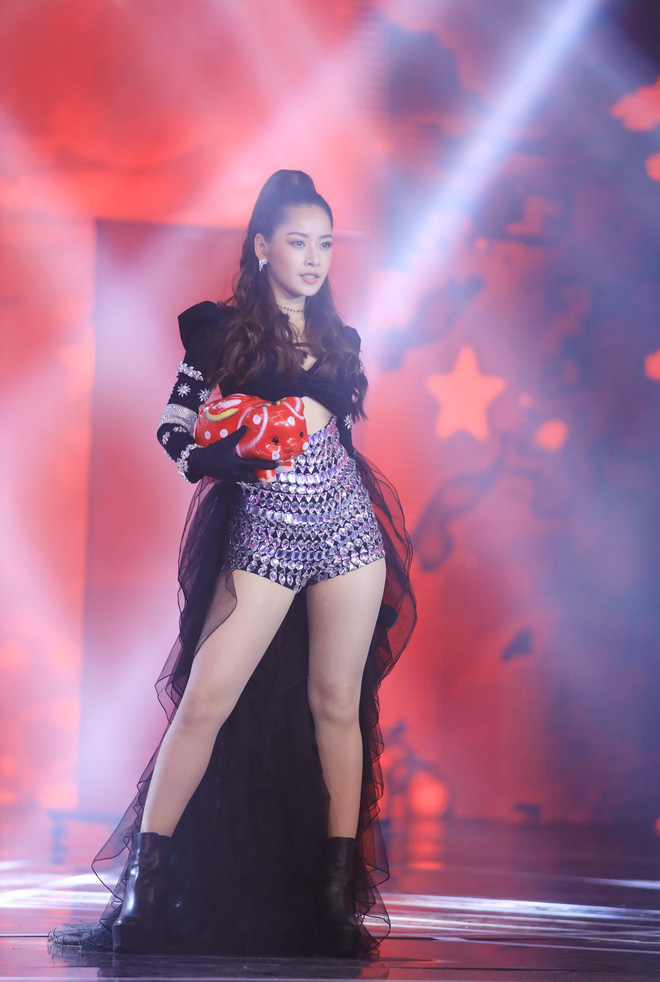 Bao Anh combined with old love Ho Quang Hiou, Chi Pu appeared sexy in the New Year's program - Photo 6.
