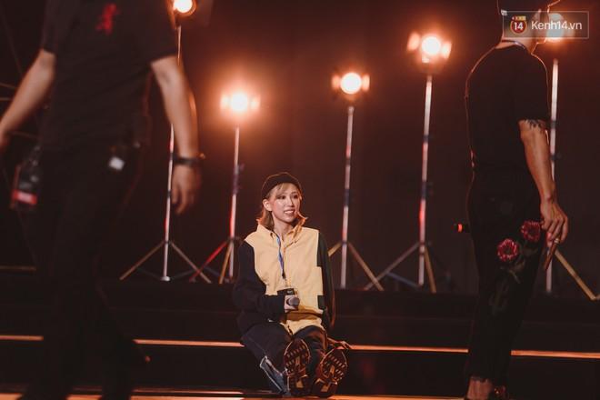 """Tổng duyệt Gala WeChoice Awards 2018: Min """"nằm lăn"""" ra sàn, hiện tượng """"Hongkong1"""" và """"Cô gái m52"""" lần đầu kết hợp - Ảnh 6."""