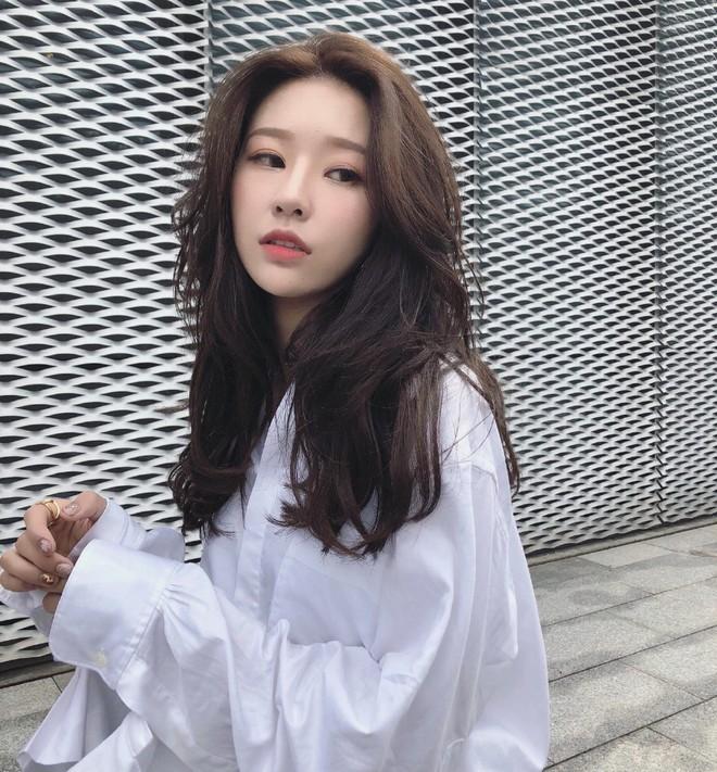 Lỡ tay tắt nhầm filter làm đẹp lúc livestream, hot girl Trung Quốc mất hơn trăm ngàn lượt follow vì để lộ nhan sắc thật - Ảnh 6.