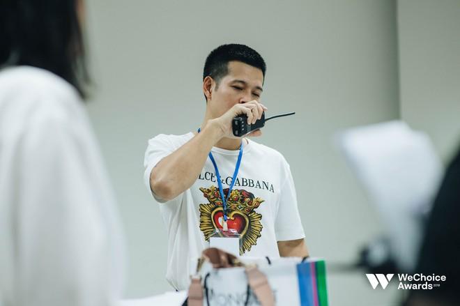 Đạo diễn Việt Tú hé lộ chìa khóa thành công của Gala WeChoice Awards 2018: Hoành tráng chưa đủ, quan trọng là thông điệp - Ảnh 10.