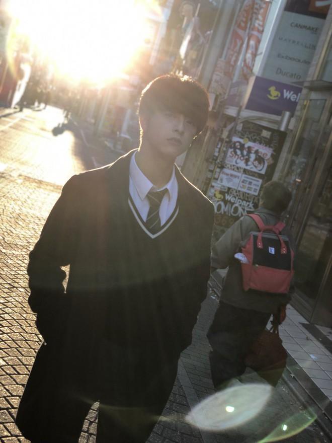 """Từng bị bắt nạt vì ngoại hình nổi bật, cậu bạn 18 tuổi bật khóc sau khi đăng quang """"Nam sinh đẹp trai nhất Nhật Bản"""" - Ảnh 11."""