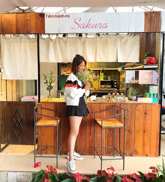 Tiệm bánh check in quen thuộc của giới trẻ ở Đà Lạt đóng cửa, nhiều người đã bắt đầu tìm ra quán mới đẹp không kém - Ảnh 6.