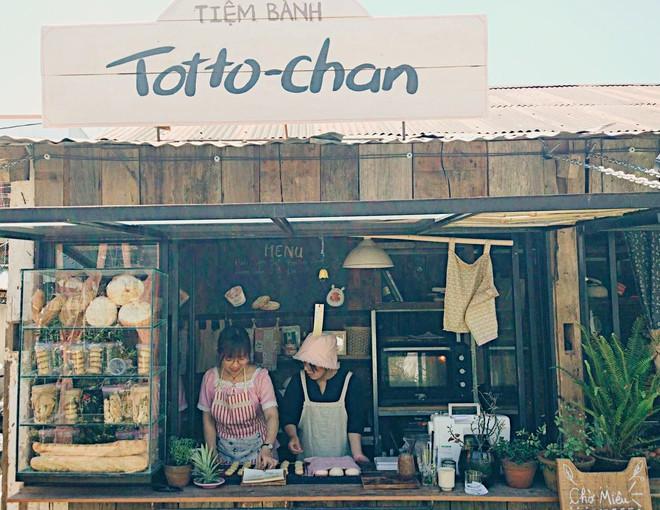 Tiệm bánh check in quen thuộc của giới trẻ ở Đà Lạt đóng cửa, nhiều người đã bắt đầu tìm ra quán mới đẹp không kém - Ảnh 1.