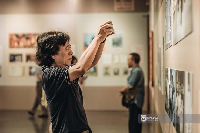 """Triển lãm tranh """"Bùi Xuân Phái với Hà Nội"""" lần đầu tiên được áp dụng công nghệ 3D: Nơi những trái tim mến yêu Hà Nội gặp nhau - Ảnh 5."""
