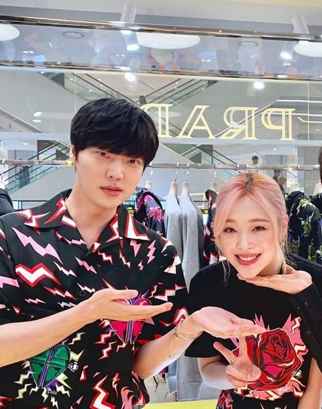Ahn Jae Hyun và Goo Hye Sun cùng lên tiếng về vụ tự tử chấn động của Sulli - Ảnh 5.