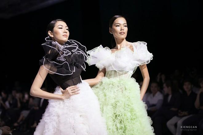 Bị chê catwalk tệ, Thúy Vân vẫn đắt show hơn Hương Ly tại Hoa hậu Hoàn vũ VN - Ảnh 8.