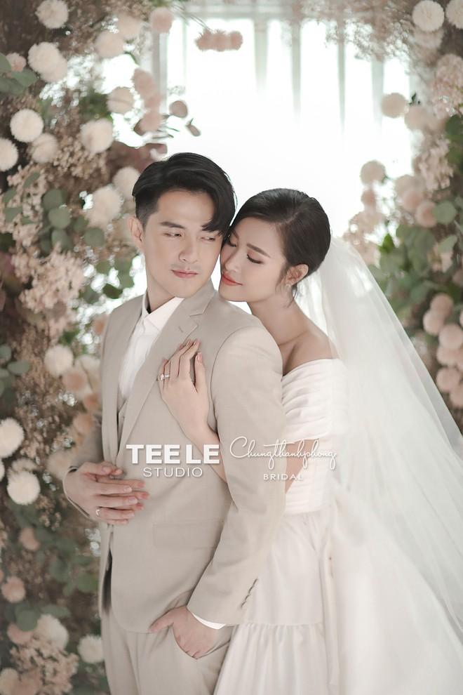 HOT: Đông Nhi - Ông Cao Thắng tung trọn bộ ảnh cưới đẹp long lanh trước ngày chính thức về chung một nhà - Ảnh 2.