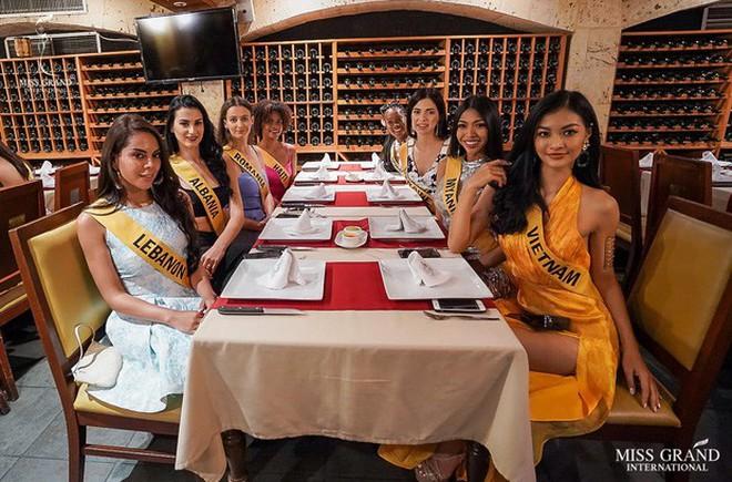 Bị chê đùi to mà còn mặc váy xẻ cao tại Miss Grand International, Á hậu Kiều Loan thẳng thắn đáp trả mà khiến ai cũng phải gật gù - Ảnh 3.