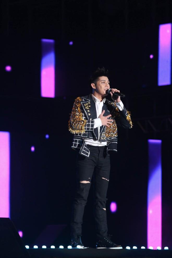Noo Phước Thịnh ra mắt ca khúc mới tại Hàn Quốc, đứng chung sân khấu trước 25.000 khán giả với Monsta X, ITZY,... - Ảnh 3.